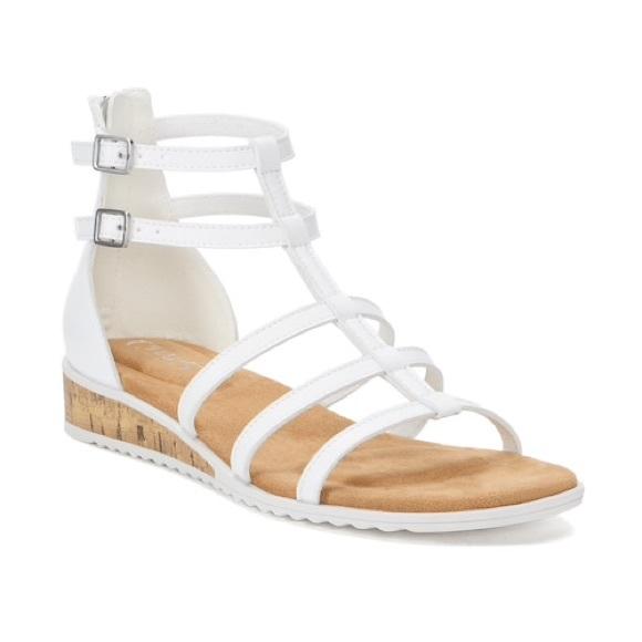 844d785b31c2d NWT Champs Wedge Sandals